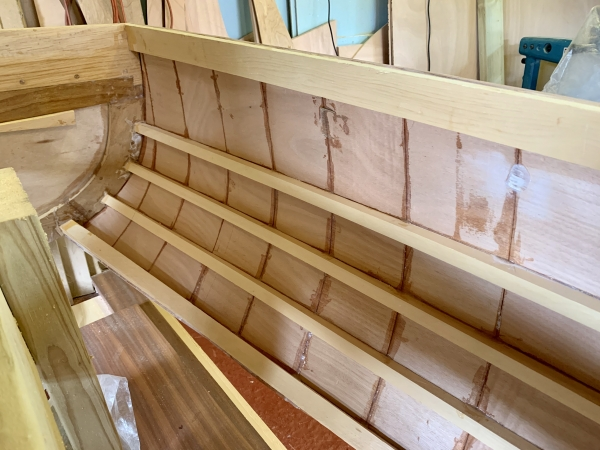 First side complete, inner, transom