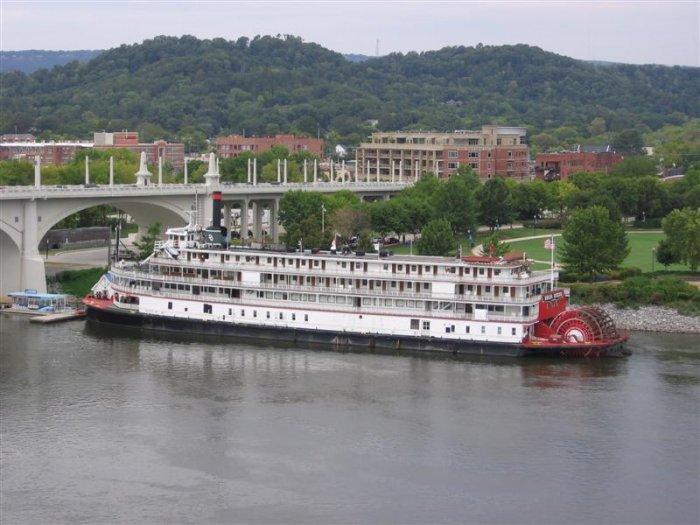 G5 Side Trip to Chattanooga - Photo Courtesy of Ray Macke